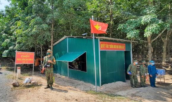 Lãnh đạo TPHCM thăm các lực lượng phòng, chống dịch Covid-19 tại biên giới Tây Ninh ảnh 4