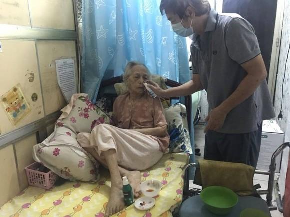 Bà cụ 99 tuổi chiến thắng Covid-19 tại nhà ảnh 1