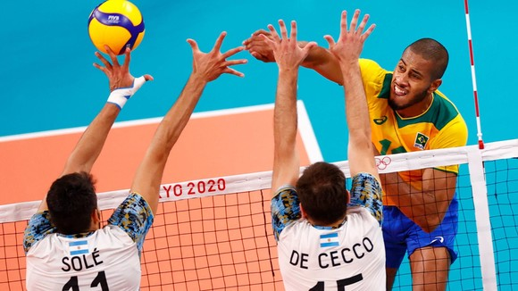 Bóng chuyền nam: Vượt qua cựu vương Brazil, Argentina giành HCĐ Olympic thứ 2 ảnh 1