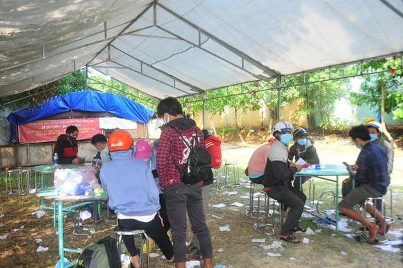 Siết chặt kiểm tra y tế người về Bình Phước ảnh 4