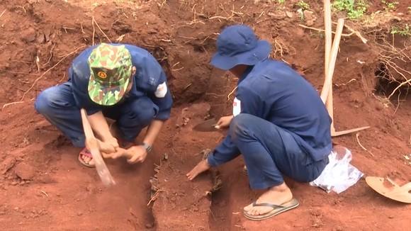 Lộc Ninh: Bàn giao 42 hài cốt liệt sĩ về an táng tại Nghĩa trang liệt sĩ ảnh 2