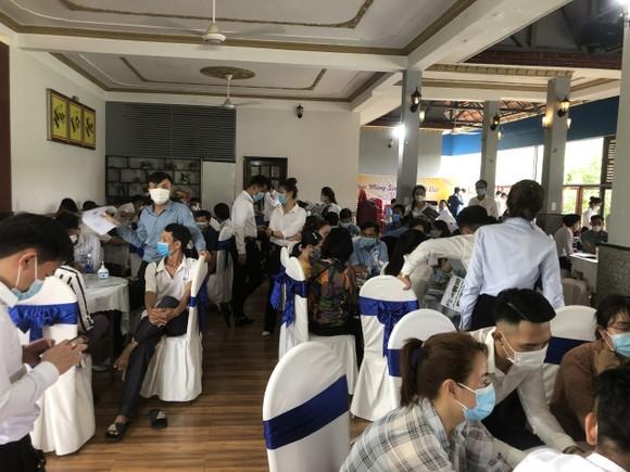 Bình Phước: Xử phạt 321 triệu đồng đối với nhà hàng và những người tham gia sự kiện giữa mùa dịch ảnh 1