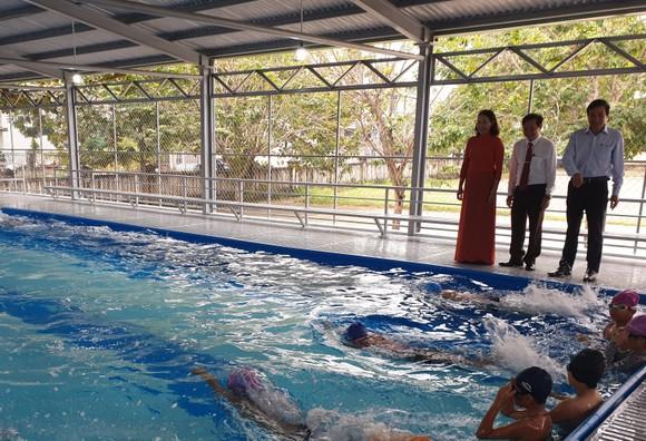 Đà Nẵng: Đưa vào hoạt động bể bơi phòng tránh đuối nước cho học sinh tiểu học ảnh 2