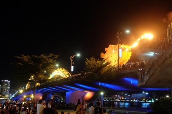 Dừng phun lửa phun nước cầu Rồng và quay cầu Sông Hàn trong thời gian dịch Covid-19 ảnh 1