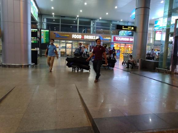 Không có việc khách du lịch ùn ùn đi khỏi Đà Nẵng ảnh 7