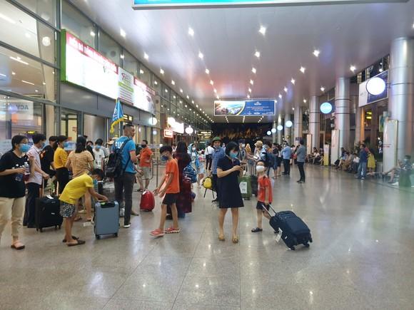 Không có việc khách du lịch ùn ùn đi khỏi Đà Nẵng ảnh 2