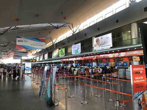 Không có việc khách du lịch ùn ùn đi khỏi Đà Nẵng ảnh 3