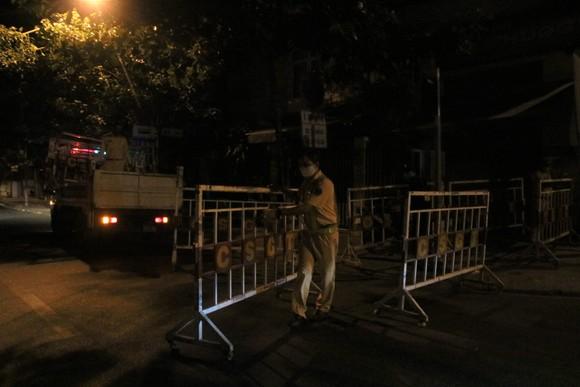 Đà Nẵng phong tỏa 3 bệnh viện lớn từ 0 giờ ngày 28-7 ảnh 2