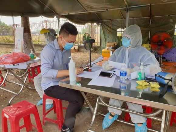 Hàng ngàn bạn trẻ Đà Nẵng đăng ký tham gia chống dịch Covid-19 ảnh 1