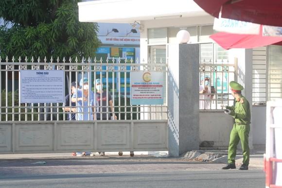 Người dân Đà Nẵng tặng nhu yếu phẩm cho 3 bệnh viện bị phong tỏa ảnh 10