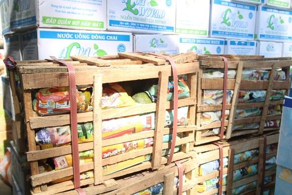 Người dân Đà Nẵng tặng nhu yếu phẩm cho 3 bệnh viện bị phong tỏa ảnh 5