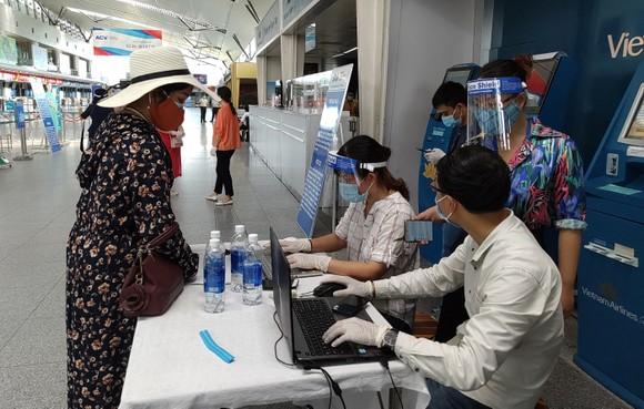 Đưa 207 du khách đầu tiên ở Đà Nẵng trở về địa phương bằng máy bay ảnh 2