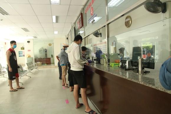 Sân ga, bến xe Đà Nẵng vắng khách ngày đầu khôi phục hoạt động ảnh 3