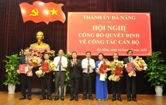 Thành ủy Đà Nẵng công bố quyết định phân công cán bộ ảnh 1