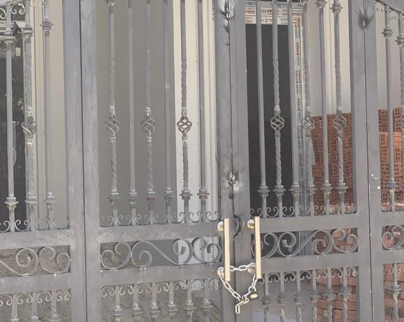 Ngang nhiên phá rối, khóa cửa nhà dân tại dự án Phú Gia Compound Đà Nẵng ảnh 1