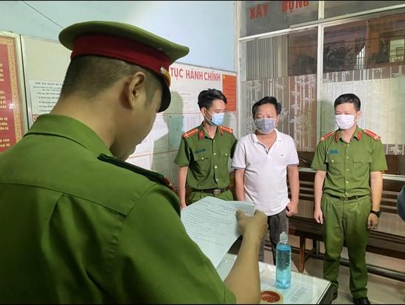 Truy tố chủ doanh nghiệp tại Đà Nẵng đánh đập, buộc người khác viết giấy nợ 122 tỷ đồng  ảnh 1