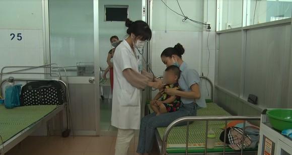 Bệnh tay chân miệng tại Quảng Nam tăng 7,5 lần so với năm ngoái ảnh 1