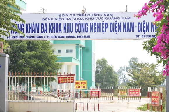 Quảng Nam xử lý nghiêm tình trạng làm giả hồ sơ để chuyên gia nước ngoài nhập cảnh trái phép ảnh 1