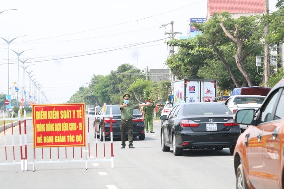 Quảng Nam dừng kiểm soát người về từ TP Đà Nẵng ảnh 1