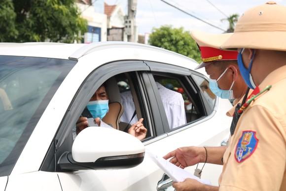 Hàng ngàn người dân Quảng Nam hối hả rời khỏi Đà Nẵng ảnh 3