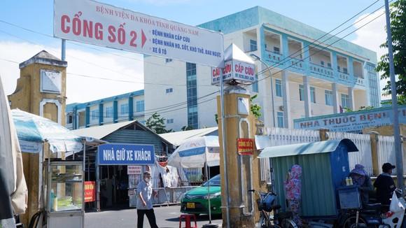 Quảng Nam: Nhóm côn đồ xông vào bệnh viện đánh người nhà bệnh nhân ảnh 1
