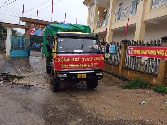 Quảng Nam: Gấp rút di dời người dân vùng cao trước khi bão số 5 đổ bộ ảnh 2