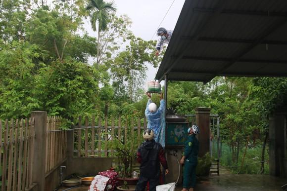 Quảng Nam: Gấp rút di dời người dân vùng cao trước khi bão số 5 đổ bộ ảnh 4