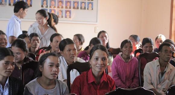350 người Lào sinh sống tại Quảng Trị được nhập quốc tịch Việt Nam ảnh 1