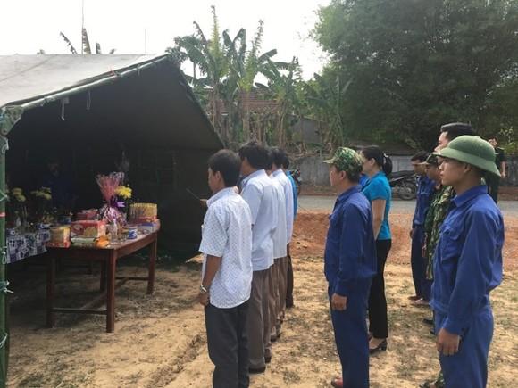 Hiện 8 hài cốt liệt sĩ đang được quản lý nghiêm tại vị trí tìm thấy để chính quyền và người dân địa phương thăm viếng