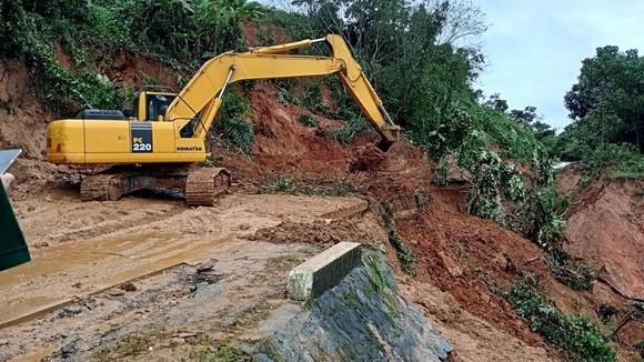 3 người dân mất tích khi đi làm rẫy, nghi bị vùi lấp do sạt lở đất ảnh 1