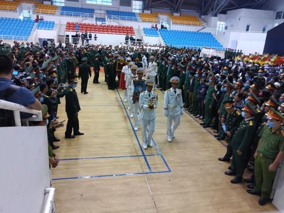 Lễ viếng và truy điệu 22 liệt sĩ Đoàn Kinh tế - Quốc phòng 337 hy sinh tại Quảng Trị  ảnh 12