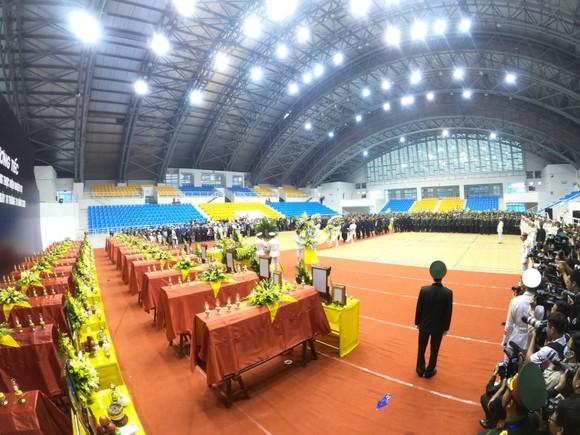 Lễ viếng và truy điệu 22 liệt sĩ Đoàn Kinh tế - Quốc phòng 337 hy sinh tại Quảng Trị  ảnh 3
