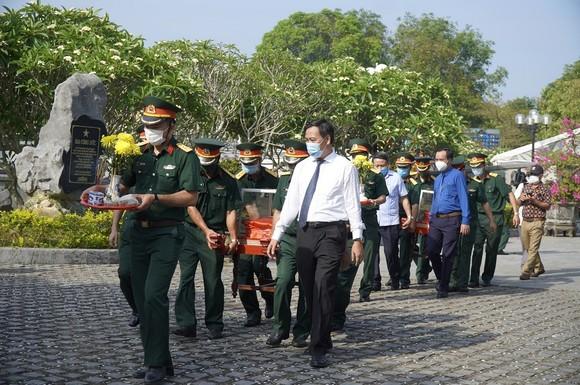 Quảng Trị: Truy điệu, an táng 24 hài cốt liệt sĩ hy sinh tại Lào  ảnh 2