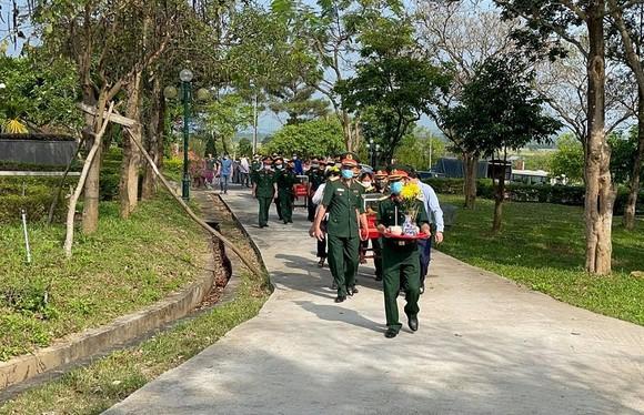Quảng Trị: Truy điệu, an táng 24 hài cốt liệt sĩ hy sinh tại Lào  ảnh 5