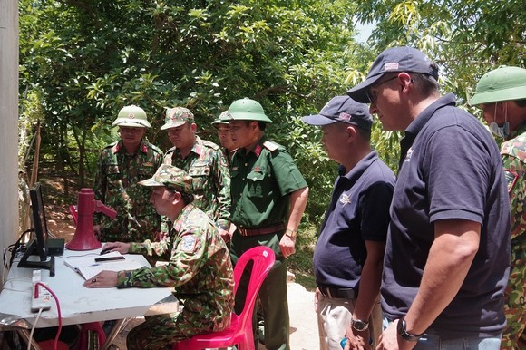 Quảng Trị: Phát hiện nhiều bom 'khủng' gần khu dân cư ảnh 1