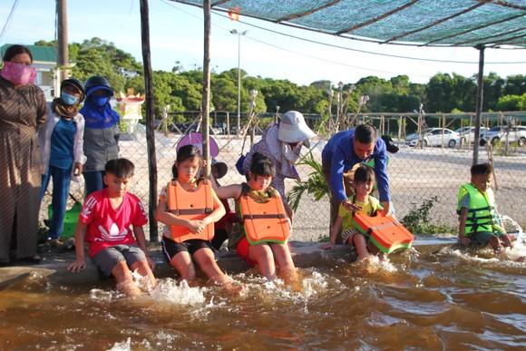 Quảng Trị: Tổ chức lớp dạy bơi miễn phí cho trẻ em khuyết tật ảnh 4