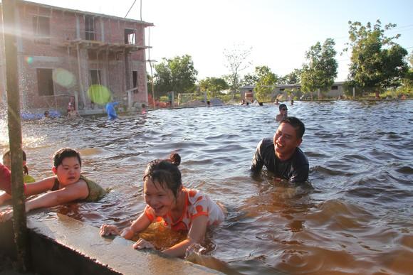 Quảng Trị: Tổ chức lớp dạy bơi miễn phí cho trẻ em khuyết tật ảnh 3