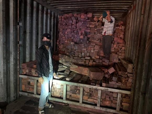 Quảng Trị: Phát hiện vụ buôn lậu gỗ, đá quý hiếm ảnh 1
