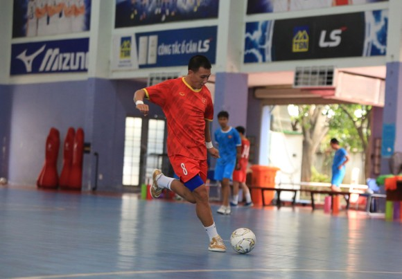 Qủa bóng vàng Nguyễn Minh Trí - 'pháo hạng nặng' của futsal Việt Nam ảnh 2