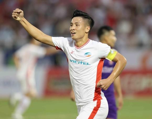 Trung vệ Bùi Tiến Dũng đánh giá cao đội bóng đến từ Hàn Quốc Ulsan Hyundai. Ảnh: DŨNG PHƯƠNG