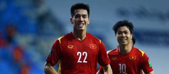 FIFA khen sự tiến bộ của đội tuyển Việt Nam và cá nhân Tiến Linh ảnh 1