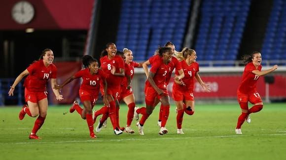 Bóng đá nữ Canada lần đầu giành HCV Olympic ảnh 3
