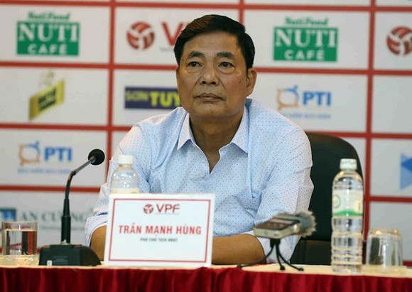 Ông Trần Mạnh Hùng dưới những năm cuối làm Chủ tịch CLB Hải Phòng dính những bê bối. Ảnh: ANH TRẦN