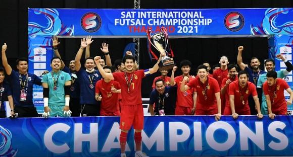 Đội tuyển futsal Thái Lan vô địch giải tứ hùng trước thềm Futsal World Cup 2021. Ảnh: ANH TRẦN