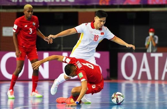 Đánh bại Panama, Việt Nam thắp sáng cơ hội đi tiếp ở Futsal World Cup ảnh 2
