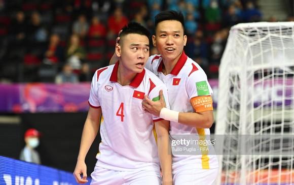 Một kết quả hòa trước CH Czech ở lượt cuối bảng D giúp đội tuyển futsal Việt Nam đi tiếp. Ảnh: GETTY