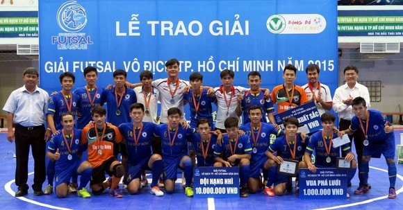 HLV Phạm Minh Giang - Từ 'thợ học việc' đến kỷ lục gia của futsal Việt ảnh 1