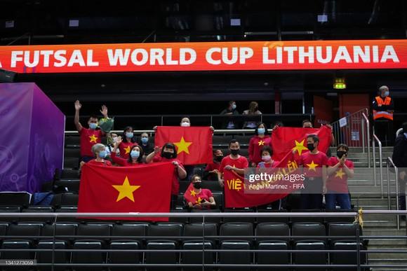 Cảm ơn tinh thần thi đấu đầy quả cảm của đội tuyển futsal Việt Nam ảnh 1