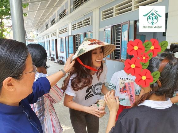 Hoa hậu Khánh Vân đồng hành cùng chiến dịch bảo vệ trẻ em bị xâm hại tình dục