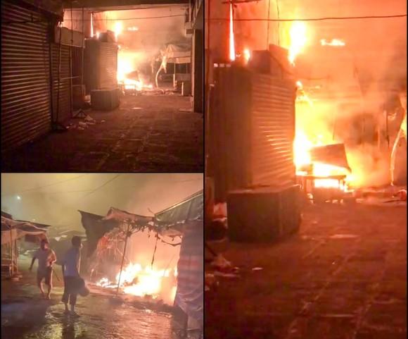 Hậu Giang: Hàng chục ki ốt, sạp quần áo ở chợ thị xã Long Mỹ bị cháy rụi rụi ảnh 1